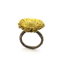 Load image into Gallery viewer, Bellis Perennis  Ring - sifisjewellery Chaniajewellery Flowerjewellery Chania Flowerjewelery Flowersproducts