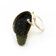 Load image into Gallery viewer, Nepenthes Ring - sifisjewellery Chaniajewellery Flowerjewellery Chania Flowerjewelery Flowersproducts