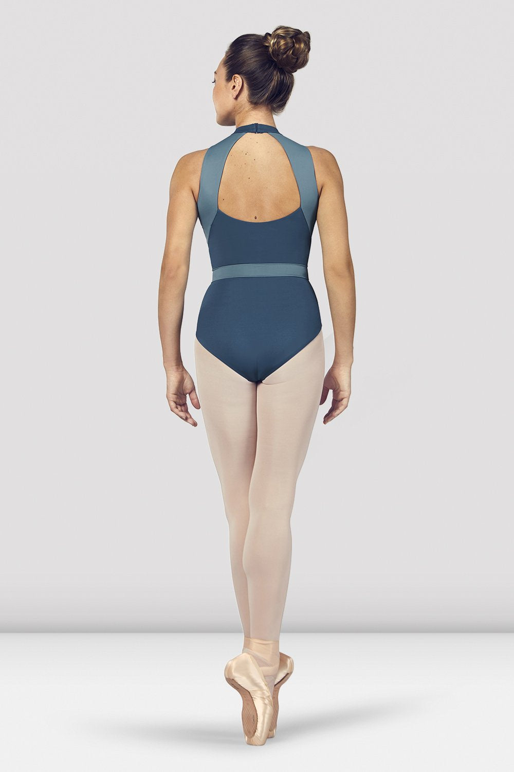 Seaport Bloch Ladies Alia Halter Neck Open Back Leotard on female model en point ein fifth position facing back