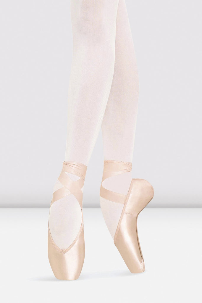 Pink Satin Bloch Heritage Pointe Shoes on foot in fourth position en pointe