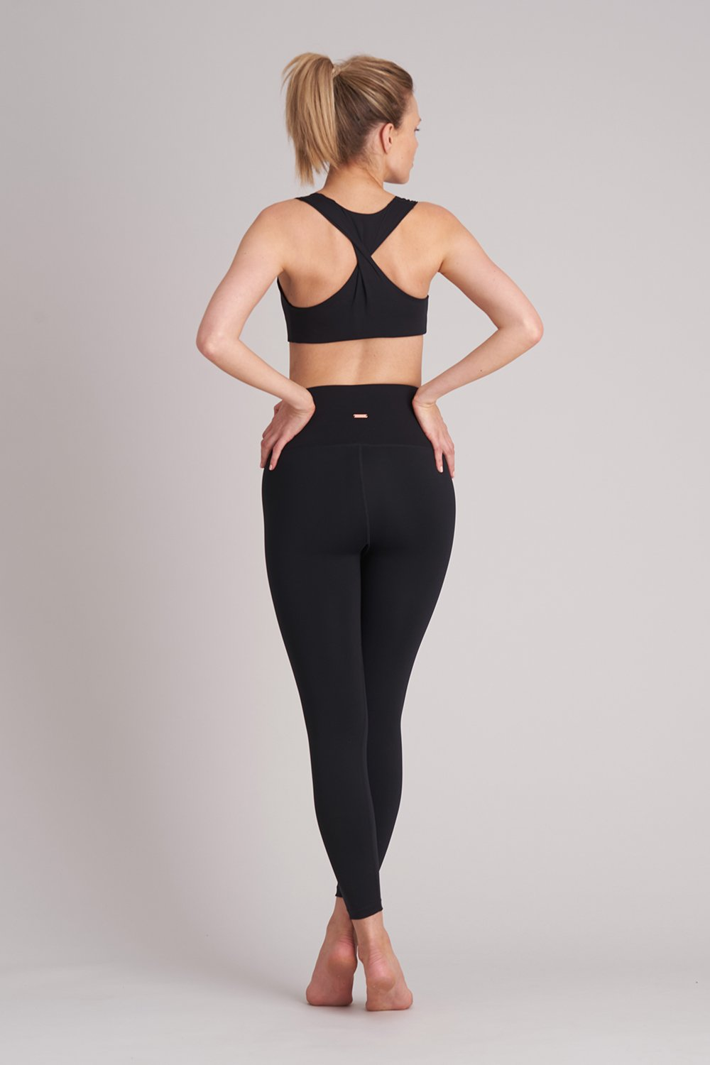Zise Gigi Twist Back Crop Top - BLOCH US