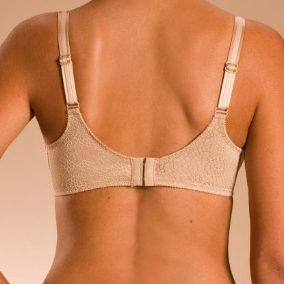 C Magnifique Minimiser Bra By Chantelle - Good's. Kilkenny's leading ladies fashion store.