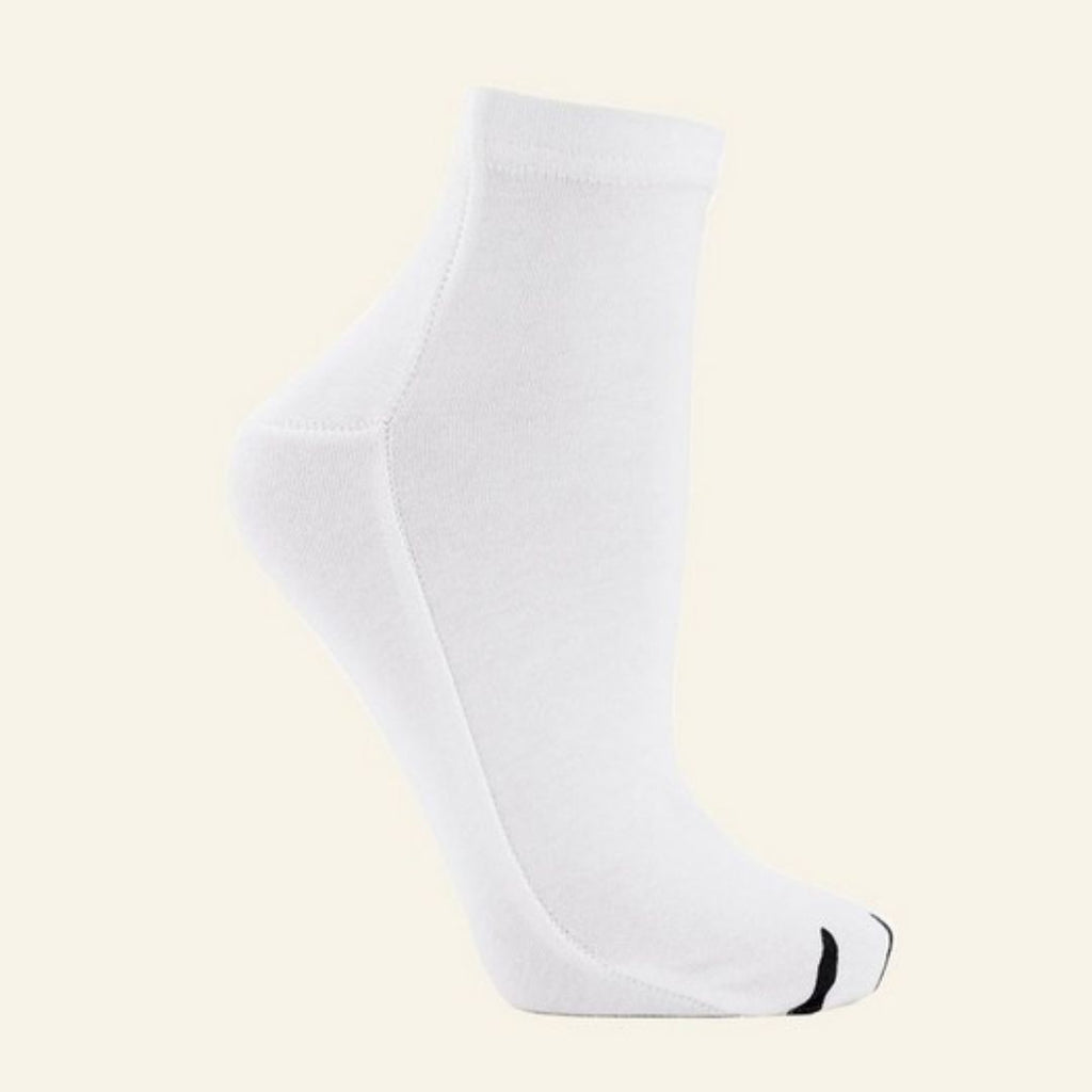 The Body Shop Animal Paw Print Moisture Socks