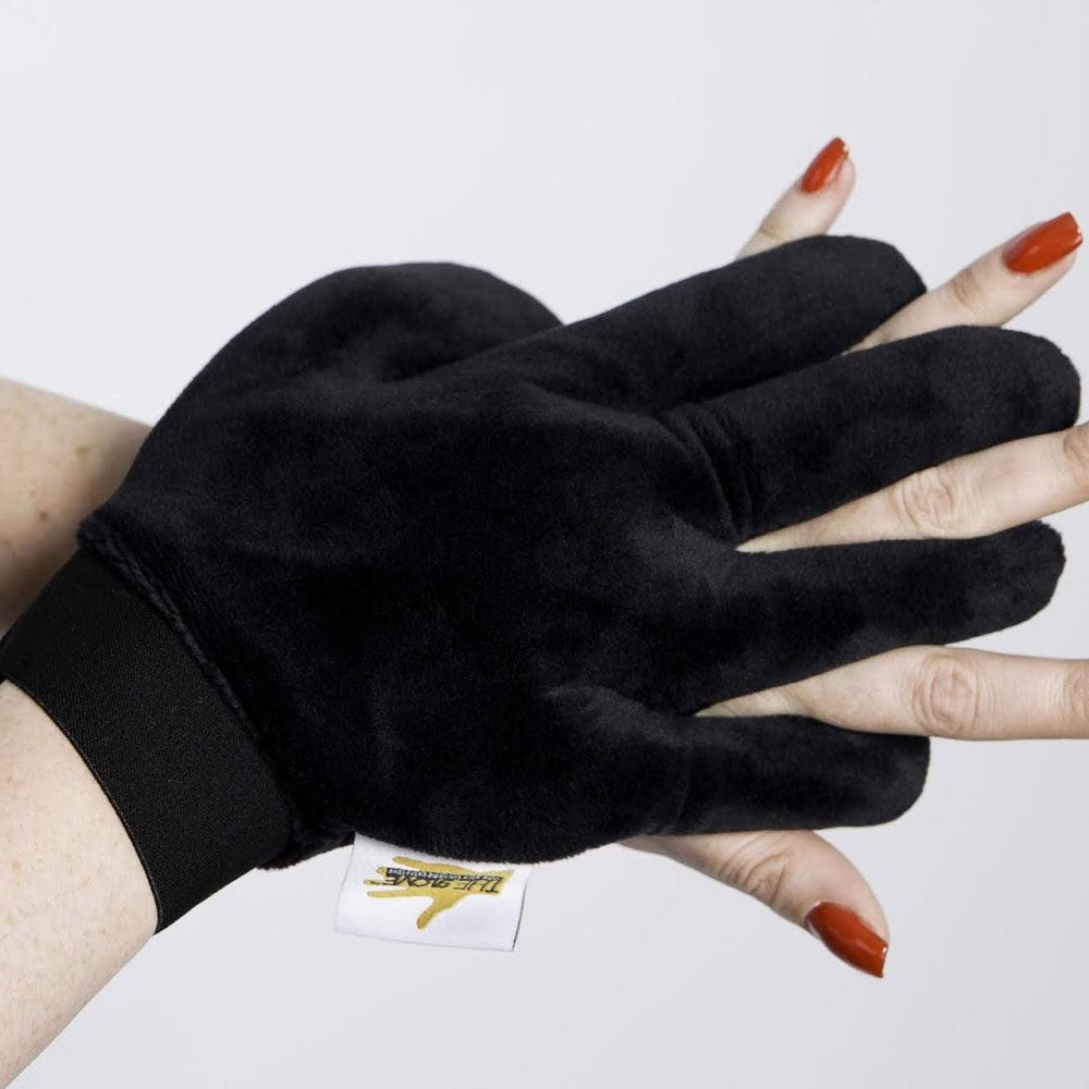 The gLOVE Tanning Mitt