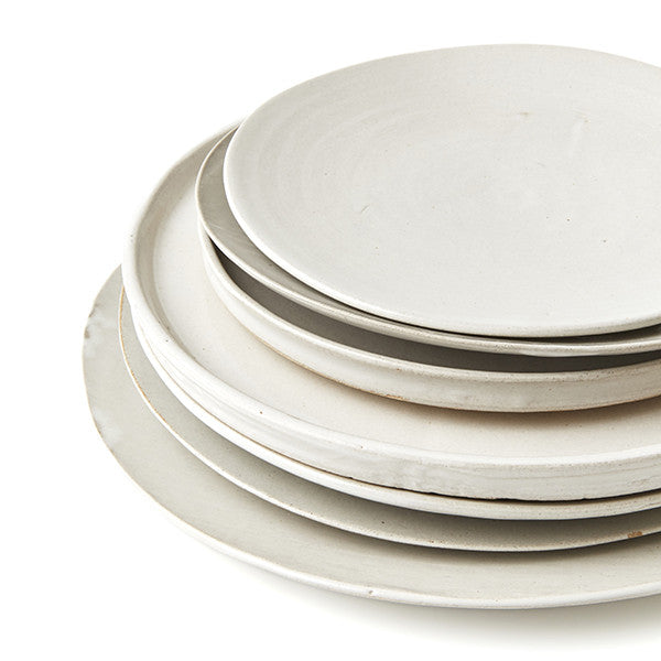 SET OF PHENDEI CERAMIC LIP PLATES WHITE