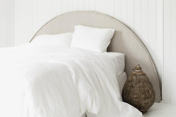 HALF MOON | LINEN BEDHEAD WITH SLIPCOVER