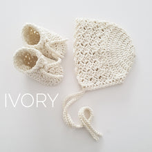 Load image into Gallery viewer, ivory-knitted-bonnet-and-booties