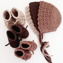 Load image into Gallery viewer, 3-baby-bonnets-and-3-knitted-booties