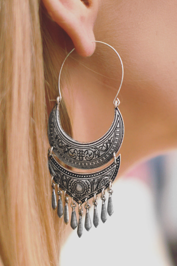 Boho Etched Chain Fringe Hoop Earrings