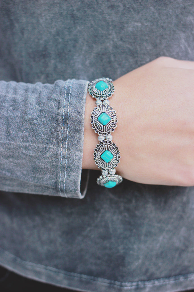 Western Turquoise Stone Etched Silver Stretch Bracelet