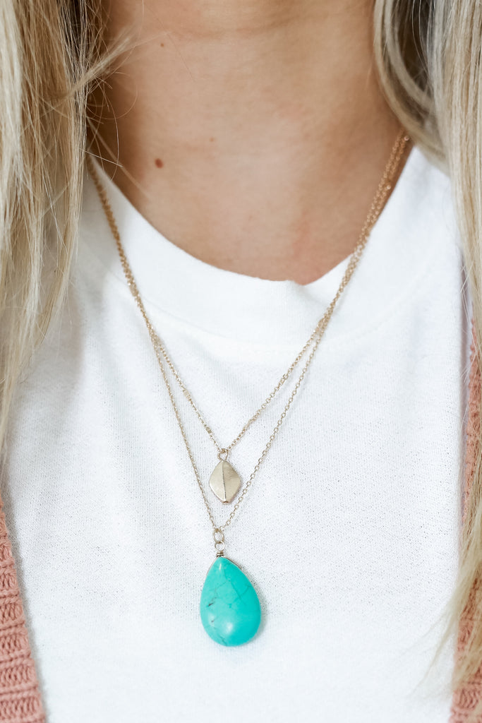 Faux Turquoise Pendant Necklace | Stylish & Affordable | UOI Online