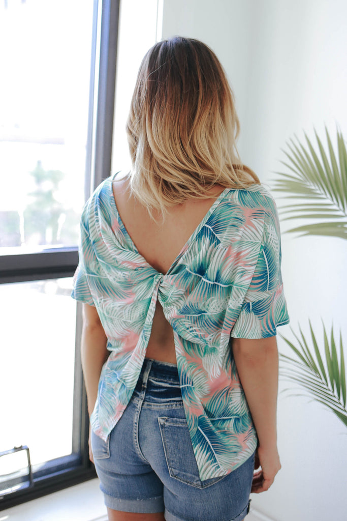Hawaiian Print Top - Online Clothing Boutique