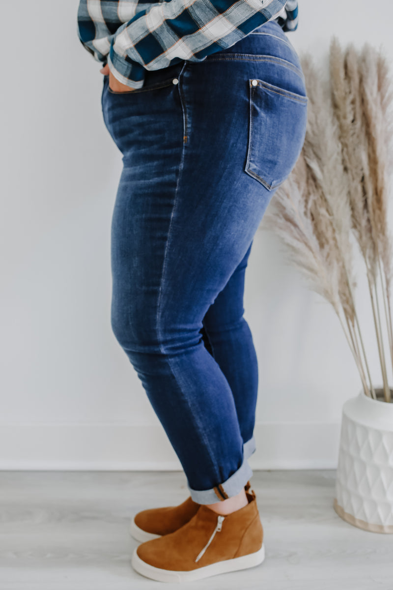 Mid Rise Straight Fit Plus Denim | Stylish & Affordable | UOI Online