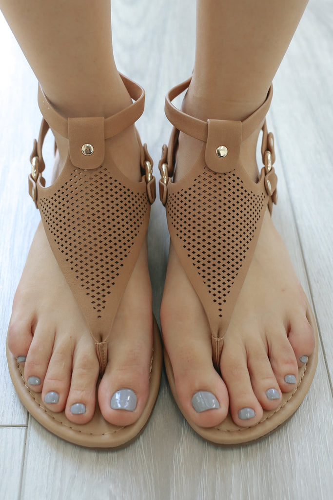 YUCCA-S Flat Sandals - Online Clothing Boutique