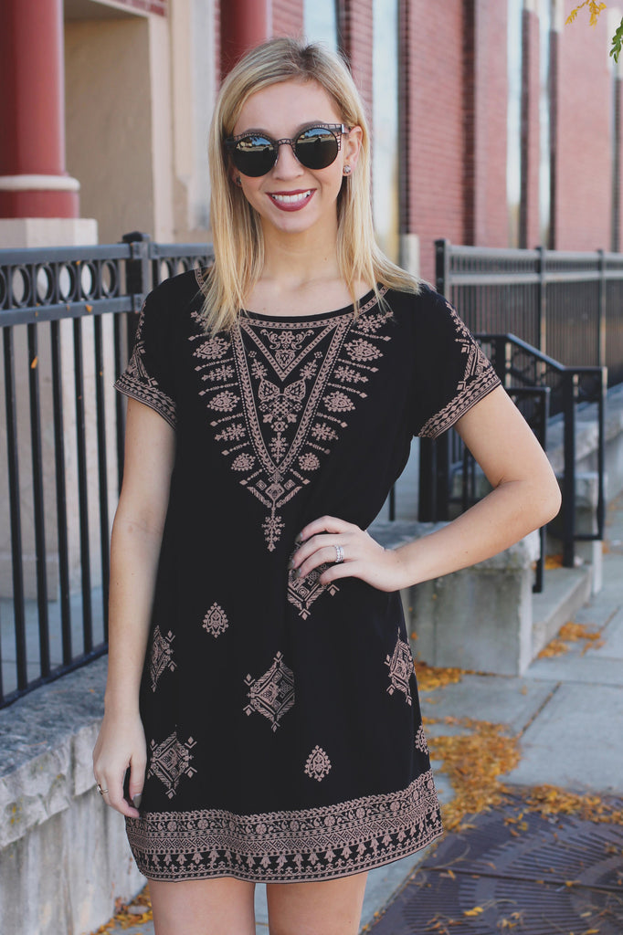Patterned Short Sleeve Wide Round Neck Shift Dress