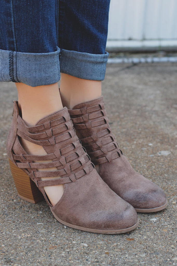 Woven Faux Leather Closed Toe Bootie Maze-93