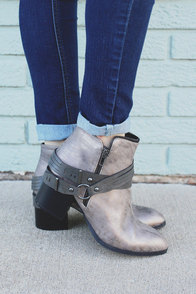 Metallic Distressed Leather Ankle Booties Wilson-15x