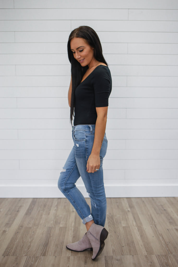 Black Basic Bodysuit - Online Clothing Boutique