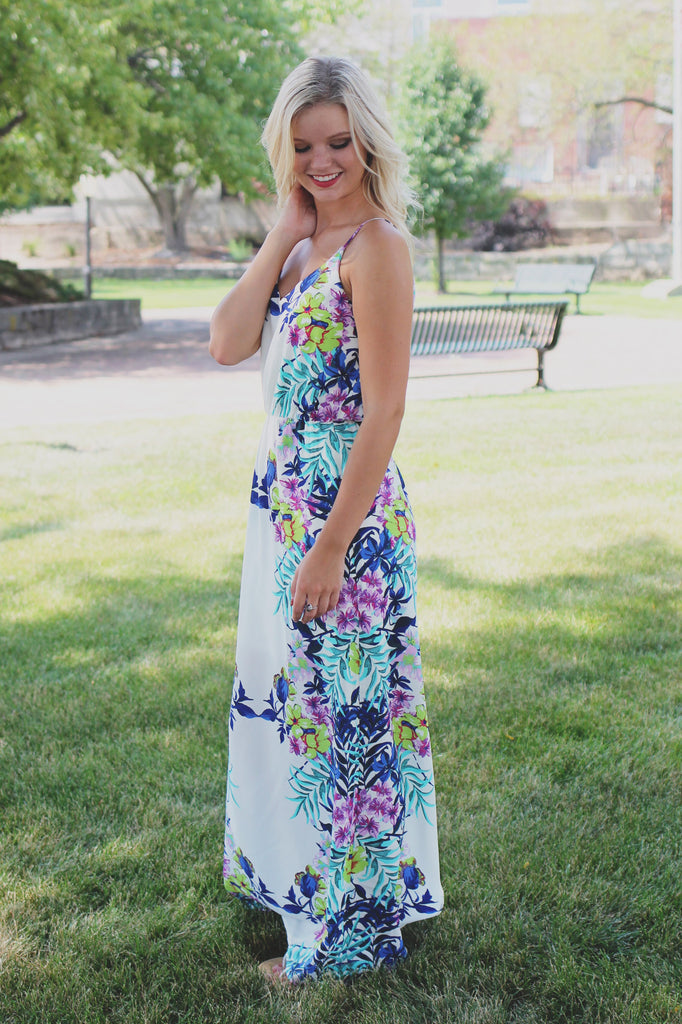Floral Border V-neck Elastic Waist Back Slit Maxi Dress