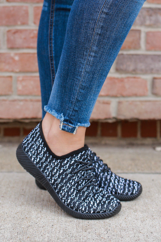 Black Heathered Knit Lace Up Sneakers delano-02