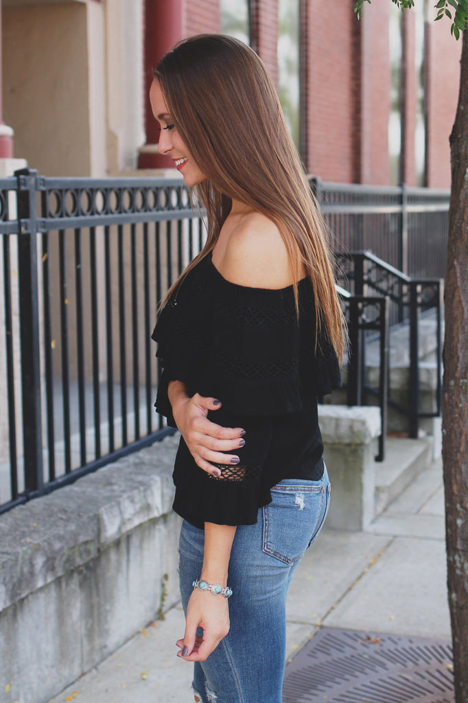 Off the Shoulder Half Sleeve Flounce Layer Ruffled Top
