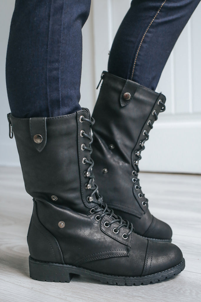 DIGIT-1 Combat Boots - Online Clothing Boutique
