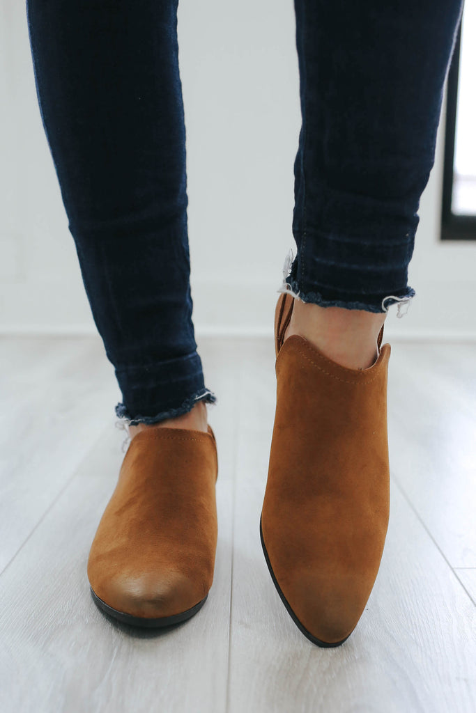 MUNI-07 Faux Suede Ankle Booties - Online Clothing Boutique