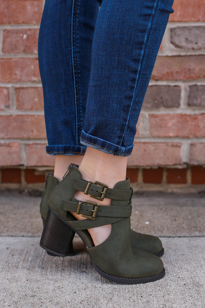 Faux Suede Cutout Ankle Round Toe Booties Scribe-S