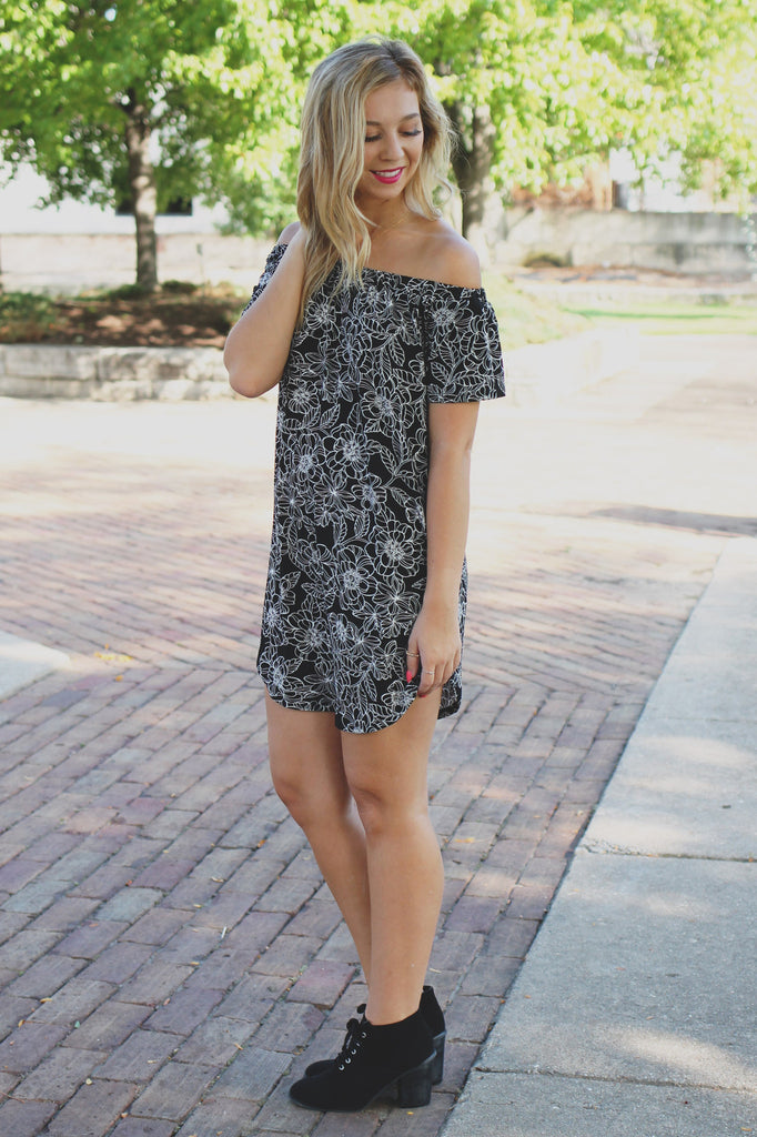 Floral Print Short Sleeve Off the Shoulder Shift Dress
