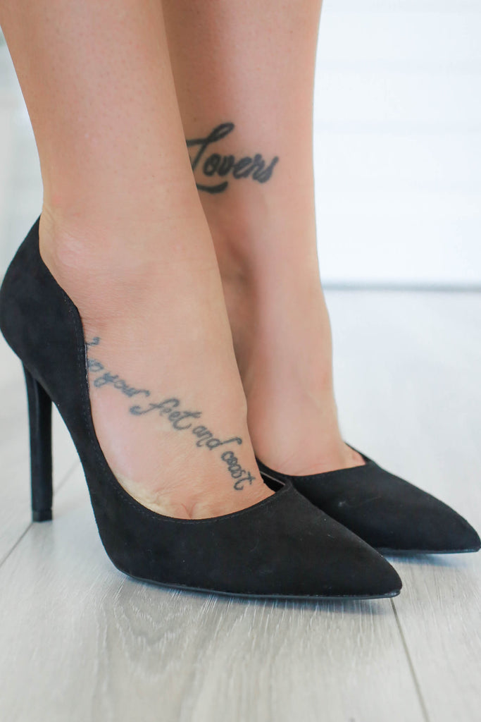 Sangria-20x Faux Suede Pointed Toe Heels - Online Clothing Boutique