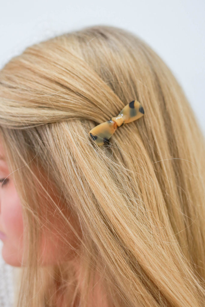 Hair Clip | Stylish & Affordable | UOI Online