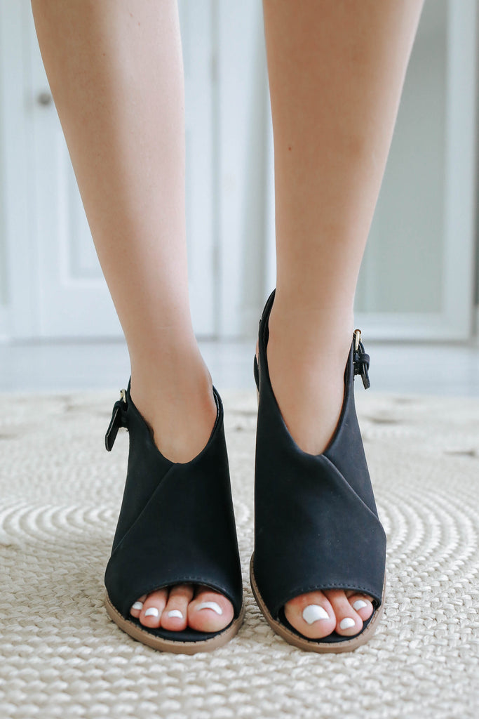 BRAMMER-12 Black Slingback Block Heels - Online Clothing Boutique