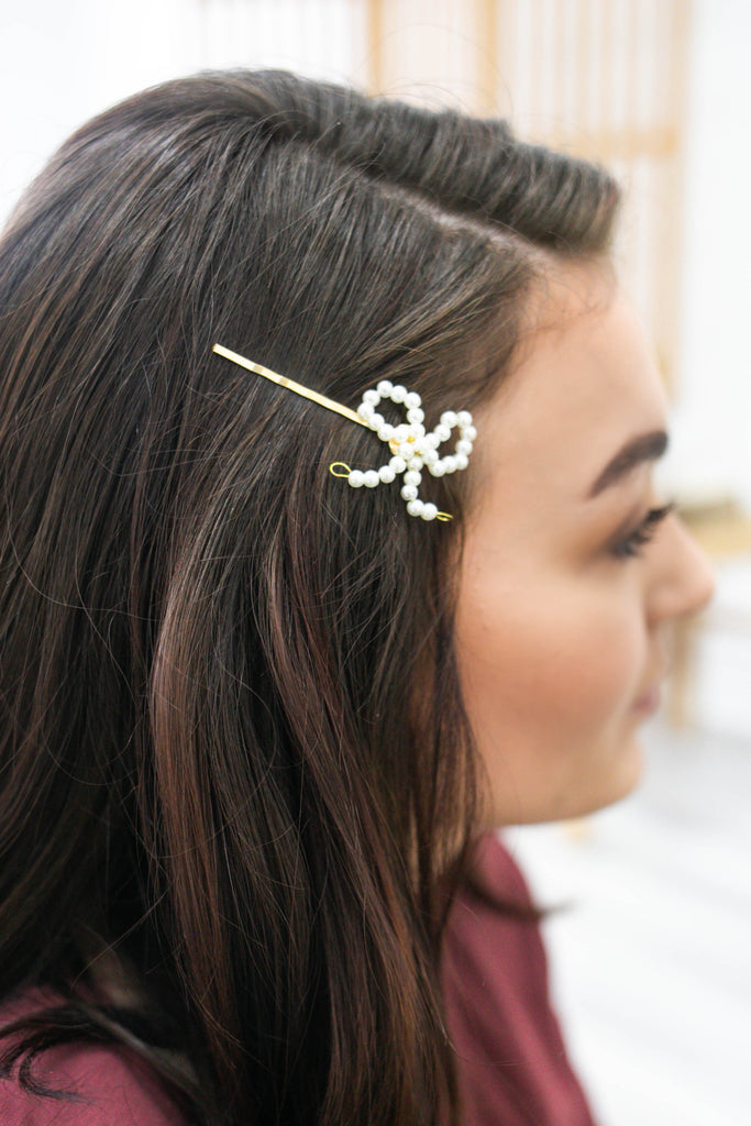 Pearl Bow Bobby Pin | Stylish & Affordable | UOI Online