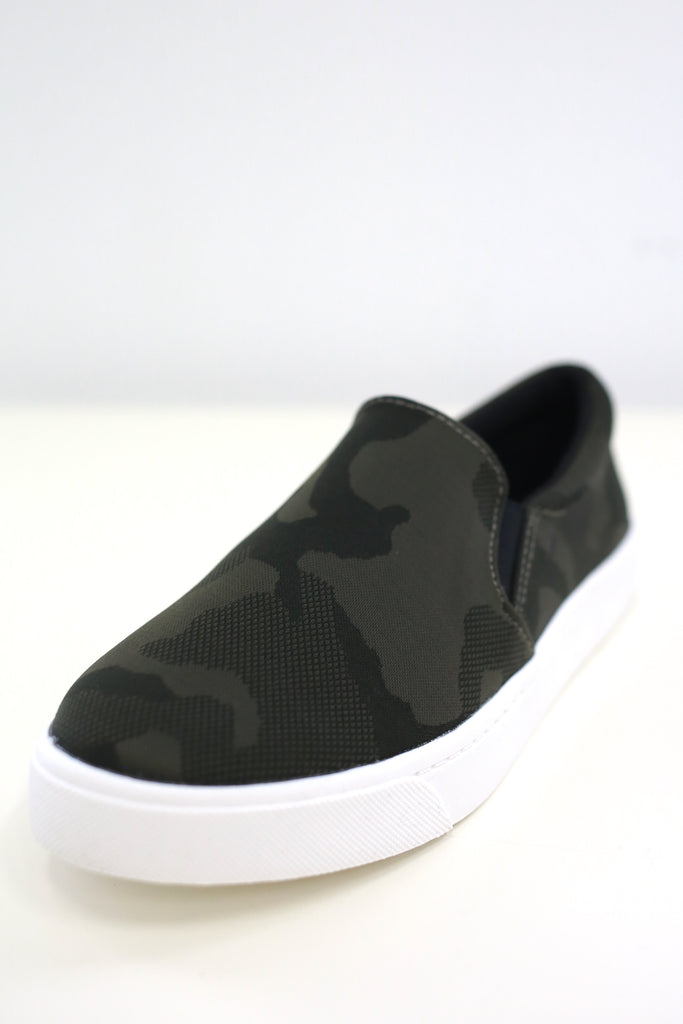 Reign Camo Sneakers - Online Clothing Boutique