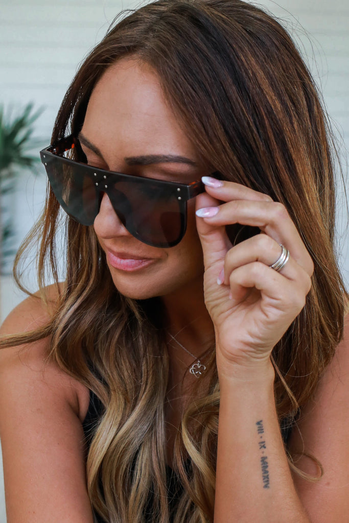 Retro Square Sunglasses - Online Clothing Boutique