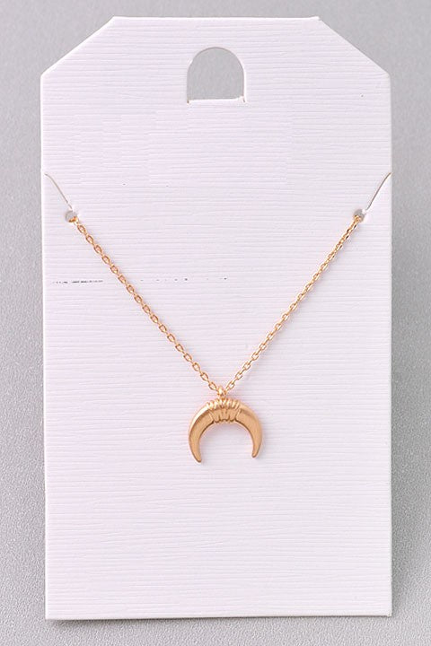 Crescent Moon Chainlink Necklace - Online Clothing Boutique