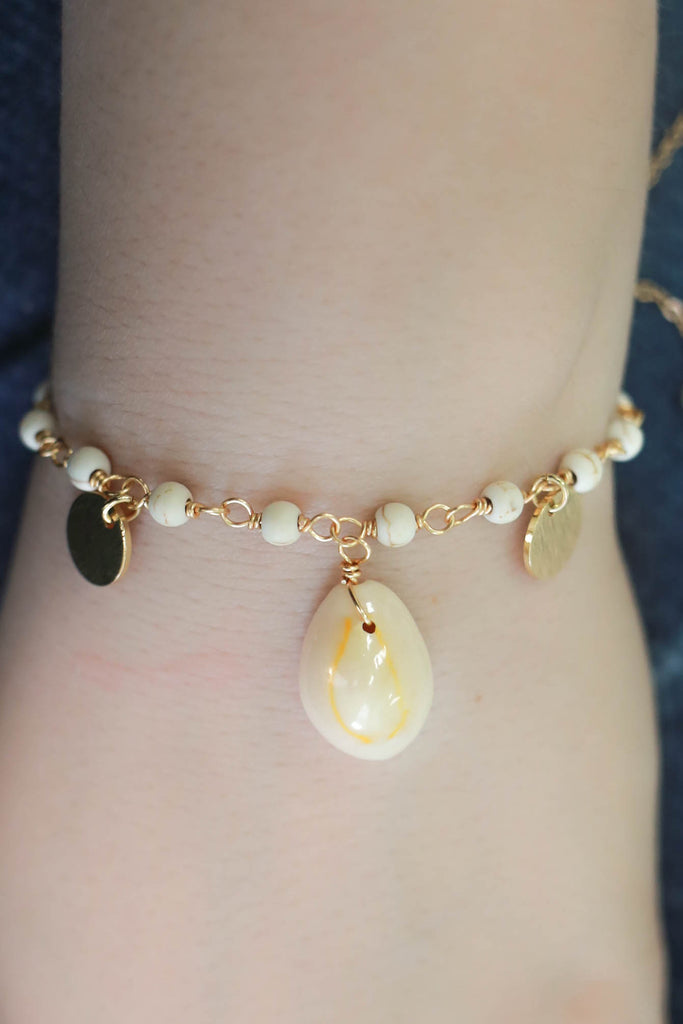 Shell Bracelet - Online Clothing Boutique