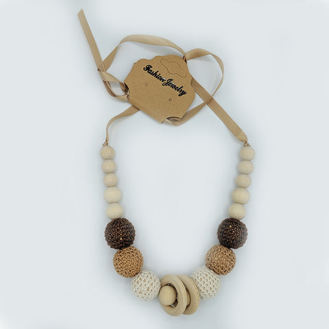Babywearing nursing necklace, Mocha