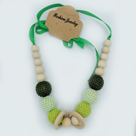 Babywearing nursing necklace, Olive