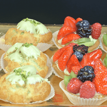 Load image into Gallery viewer, 12 Pastries - Fruit Tarts & Bignè