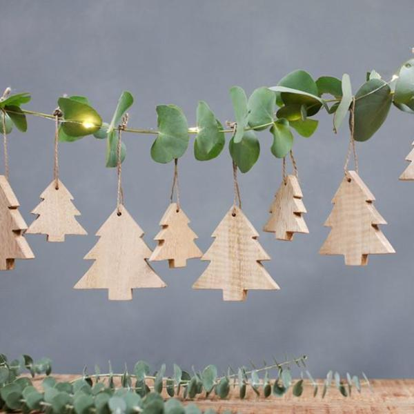 Chana Wooden Tree Decorations