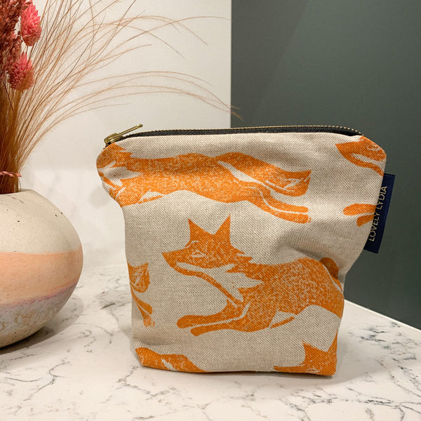 Running Fox Wash Bag