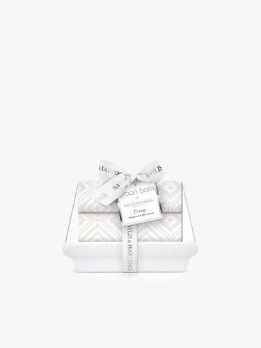 BAYLIS & HARDING CERAMIC SOAP HOLDER + SOAPS