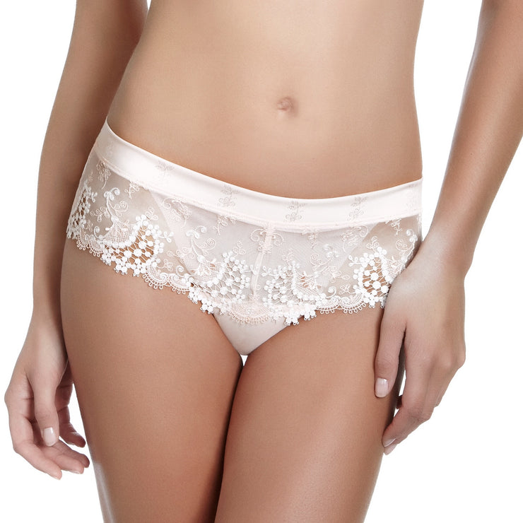Wish by Simone Perele luxury ivory lacy ladies lingerie shorts. Hotpants or shorty briefs