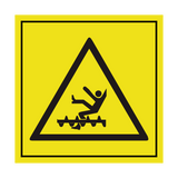 Do Not Climb Into Rotating Machine ISO Label | Safety-Label.co.uk
