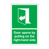 Door Opens By Pulling On The Right-hand Side Sticker | Safety-Label.co.uk