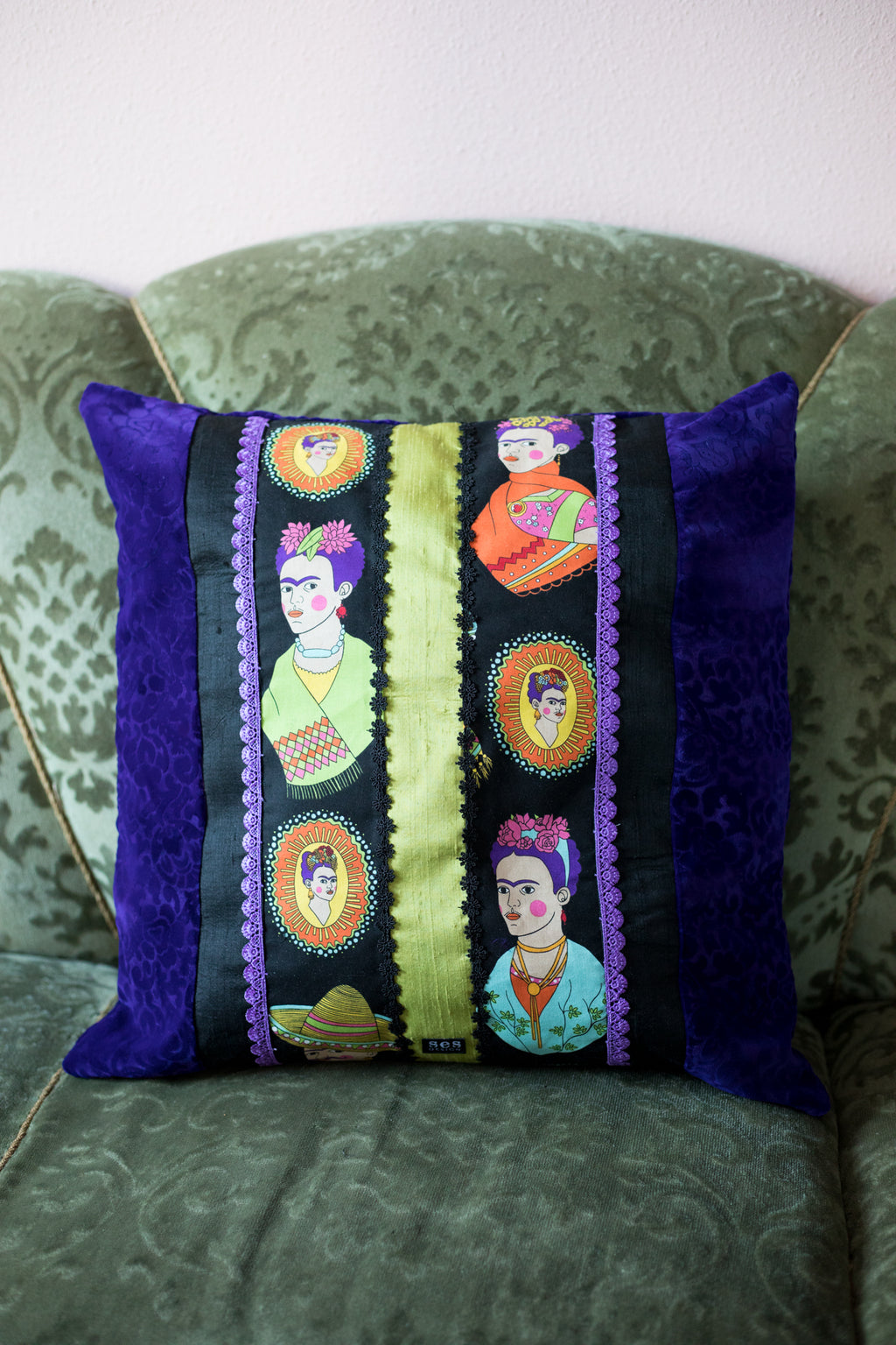 Lovely Frida cushion