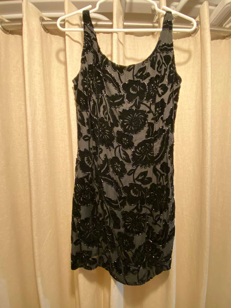 Neiman Marcus Exclusive Carmen Marc Valvo Black Floral Cocktail Dress (Tailoring  Included)