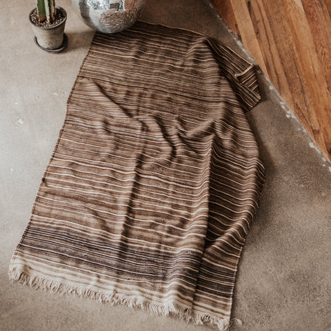 "Morocco Objects 4'6"" x 6'8"" / Brown / FINAL SALE Moroccan Skies Weaving"