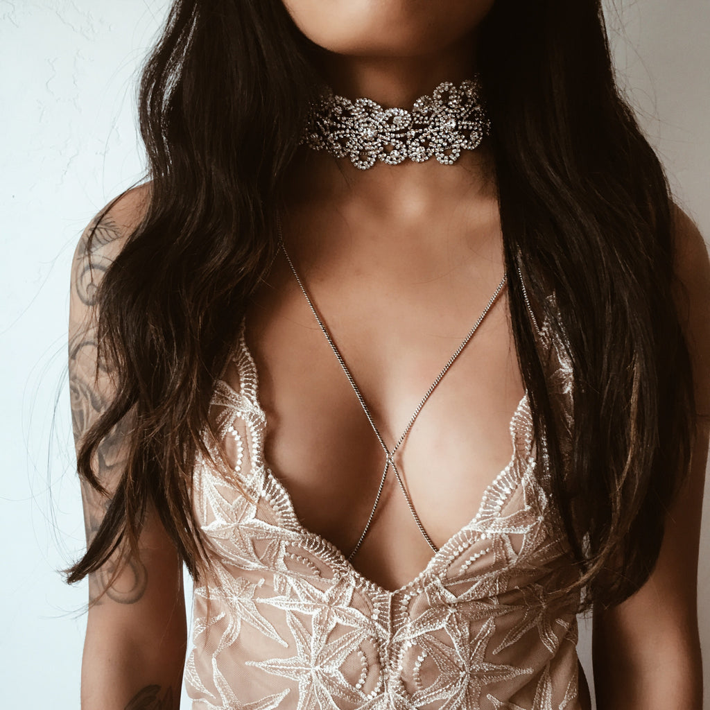 CW collection sale The Elizabethan Choker